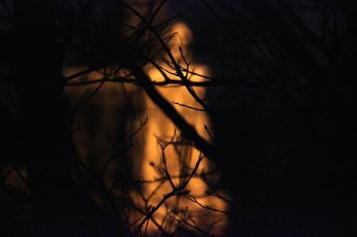 eglise-dans-la-nuit_17009167610_o.jpg